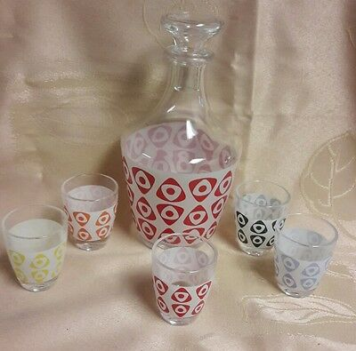 Vintage  French glass RETRO PRINT decanter and 5 shot glasses