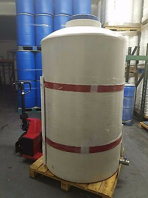 500 gallon vertical poly tank/container, indoor water or chemical storage USED