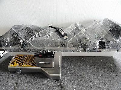 Steris Amsco 3080RC Surgical OR Table Surgery with Accessories Handpiece Pads