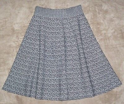 REVIEW black and white mid length winter knit skirt, Size 8, As New!
