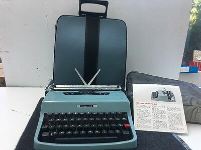 Vintage 1960's Olivetti Lettera 32 Portable Typewriter - (WORKING)
