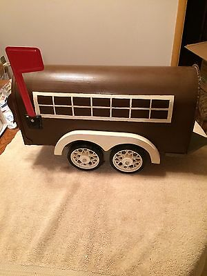 REDUCED!! Vintage Metal Mailbox (horse stock-trailer)