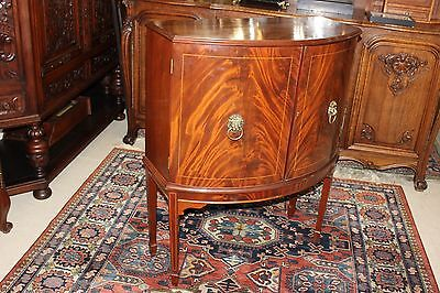 Beautiful English Edwardian Mahogany  Bar / Cabinet .