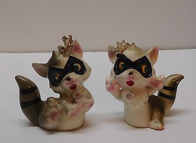 Raccoon Salt and Pepper Shaker Flower Gold Textured Accent Vintage Japan Set 2