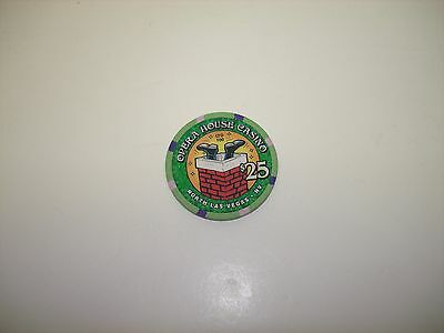Opera House Casino   Christmas 2001    $25 Casino Chip  OBSOLETE