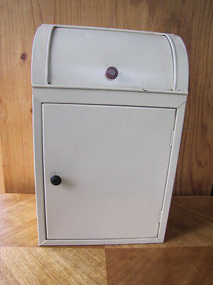 Terrific Vintage RETRO Metal Bread Bin Cupboard