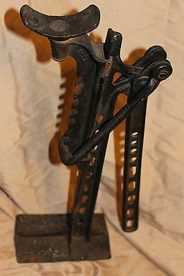 Antique-Cast-Iron-Wagon-Jack.jpg