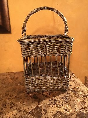 """Vintage Wicker Antique Square Basket With Handle - 8"""""""