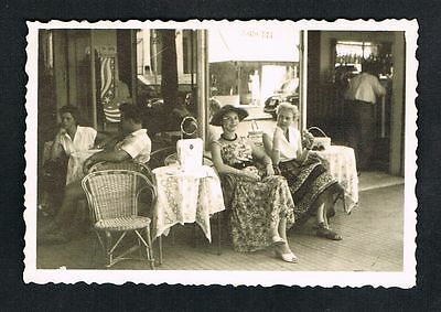 RICCIONE, Foto vintage Photo, Frauen Urlauber Terrasse women terrace /107a