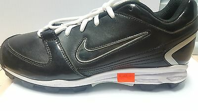 Nike Cleats Size 9 Black and White
