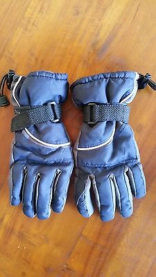 Child's Black/Grey lined ski gloves preowned free post E21