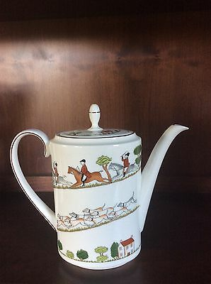 "Coalport Hunting Scene 7"" coffee/teapot with lid"