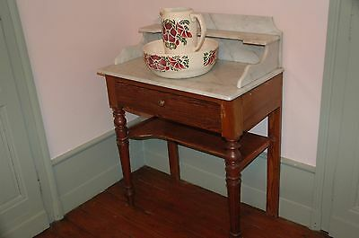 Table De Toilettes Ancienne