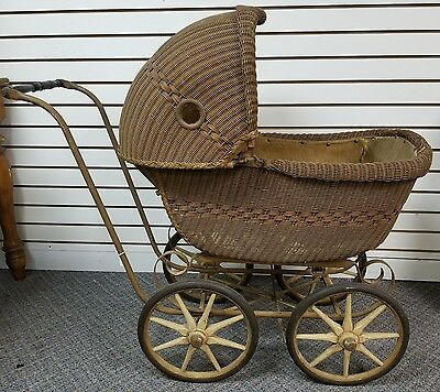 Antique/Vintage WICKER BABY CARRIAGE, Buggy, Pram, Convertible, wood spoke wheel