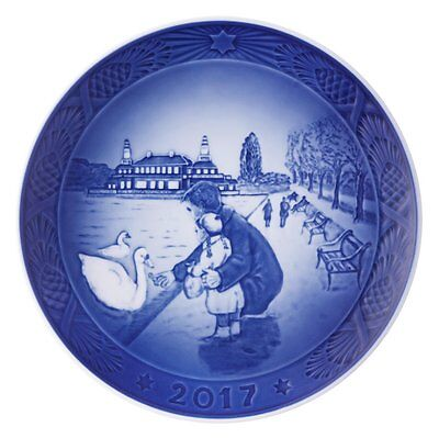 Royal Copenhagen 2017 Christmas Plate, A Walk at the Lake (1021105)