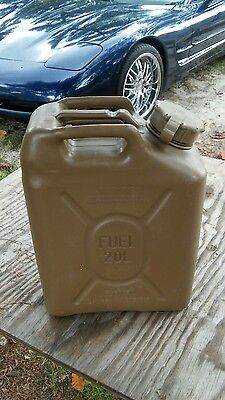 4)Military 5 gallon & 1 SPOUT SCEPTER JERRY CAN ,  DIESEL FUEL 20 liter humvee