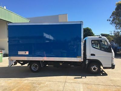 Mitsubishi canter 515 truck for sale!ONLY done 99500km