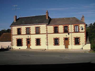 House in France 8 bedroom  fully furnished 3/4 acre garden £140.000