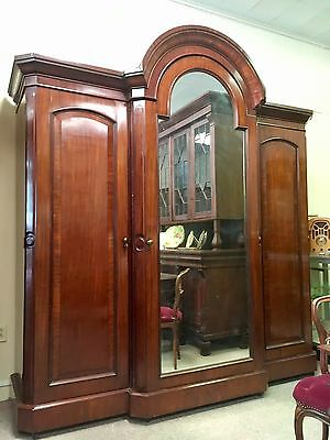 William IV Mahogany Wardrobe / Armoire