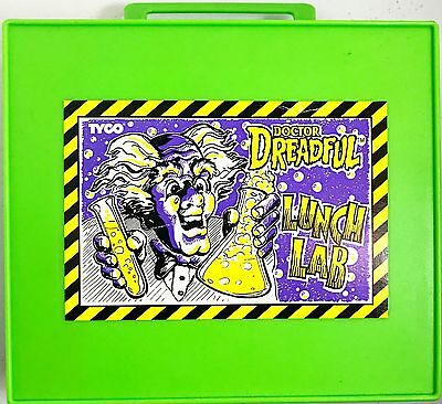 Cap'n Crunch Mail Away Doctor Dreadful's Lunch Lab Set w/ Lunch Box Beakers Tyco