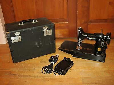 1950 Singer 221-1 Featherweight Sewing Machine With Case & Control