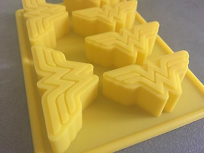 Wonder Woman Silicone Cupcake Jelly Fondant Soap Baking Tray Mold Mould Party