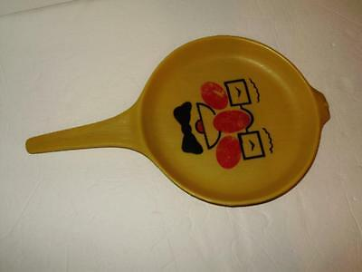 Tanda Toys 1960s England vintage kitchen toy frying pan yellow with face