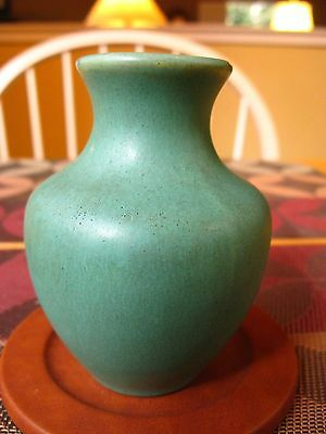 CAMARK Pottery Matte Green Vase Signed Mint Condition