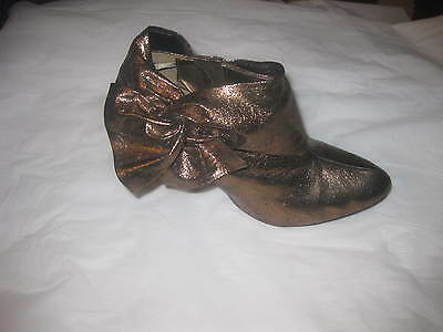 "Gorgeous !! ""wet Seal"" Women Bronze High Heel  Zip Side  Ankle  Boots  Sz 10M"