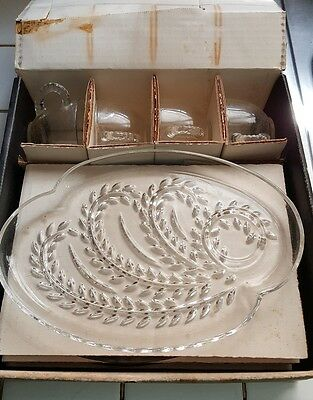 Vintage Homestead Luncheon Snack 4 Plates and 4 Cups Set Federal Glass in Box