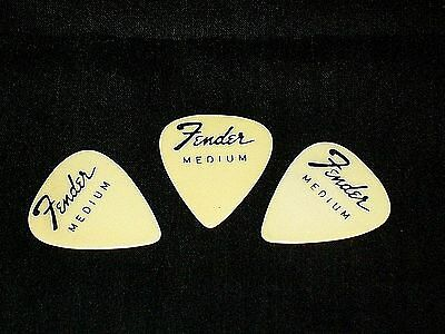 3 VINTAGE 1960s FENDER MEDIUM GUITAR PICKS WEDGE (NO TM) CREAM COLOR UNUSED NOS
