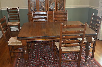 Antique English Victorian Oak Extending Dining Table