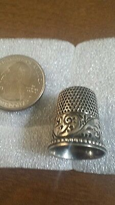 Beautiful swirl designed sterling silver thimble early 1900's