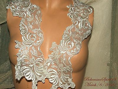Vintage AWESOME FLORAL WHITE LACE EMBROIDERY TWO  APPLIQUES COLLAR old/New Stock