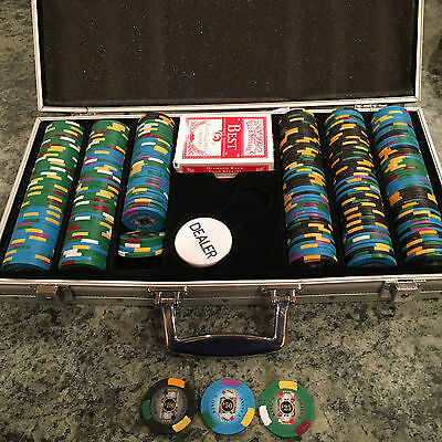 King's Casino Chips $25 $50 $100 With Aluminum Box & 2 Decks Nearly 300 Chips