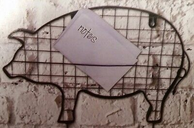 Wire Pig With Hooks