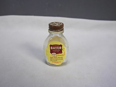 Vintage Bayer Aspirin Glass Bottle w/Lid Labels 24 Tablet Container Advertising