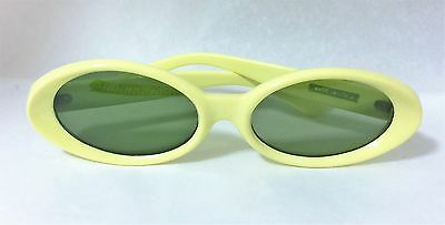 NOS True Vintage Mod 1960s Yellow Oval Sunglasses Size Italy S-M
