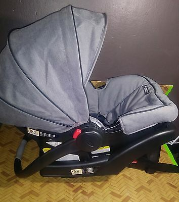 Graco SnugRide Click Connect 35 Infant Car Seat with CLICK CONNECT BASE