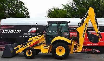 _____  New Holland Backhoe __ 4X4 ____ Low Hours ! ____  Close Cab ! ___