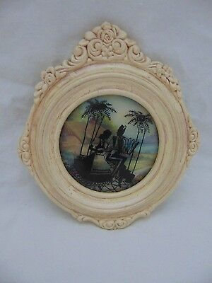Vintage Convex Silhouette Round Plaster Frame Picture