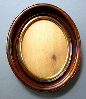 ANTIQUE 19th Century OVAL WALNUT PICTURE FRAME with Gilt Liner 1880