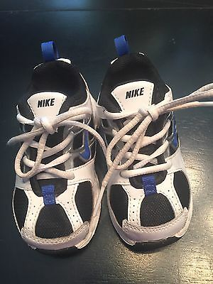 Nike baby/toddler sneakers size 5c