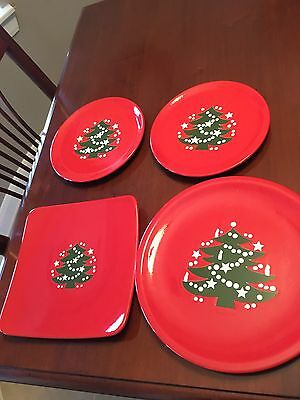 Set Of 4 Vintage Red Christmas Plates By Waechtersbach Germany.