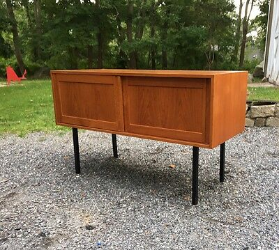 VINTAGE Danish Modern TEAK Entry Chest Mini Credenza Table Bar MCM  MEDIA STAND