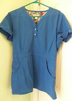 Women's size large Koi by Kathy Peterson scrub top GUC
