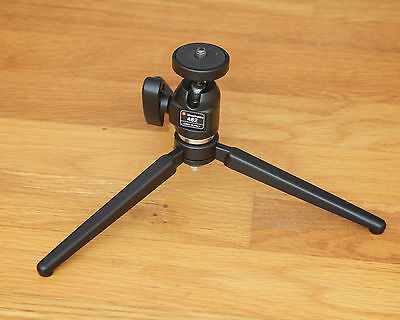 Manfrotto 209 Tabletop Tripod with 482 Micro Ball Head