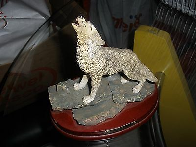 Vintage 1995 Marlo Collection Art Mar Coyote Wolf Statue