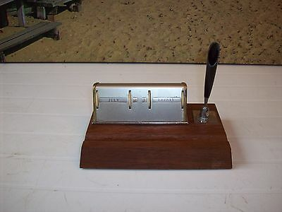 Vintage Perpetual Desk CALENDAR AND PEN HOLDER