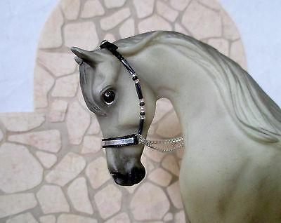 Beaded Arabian Cable Style Show Halter for 1:9 Model Horses: Black & Silver